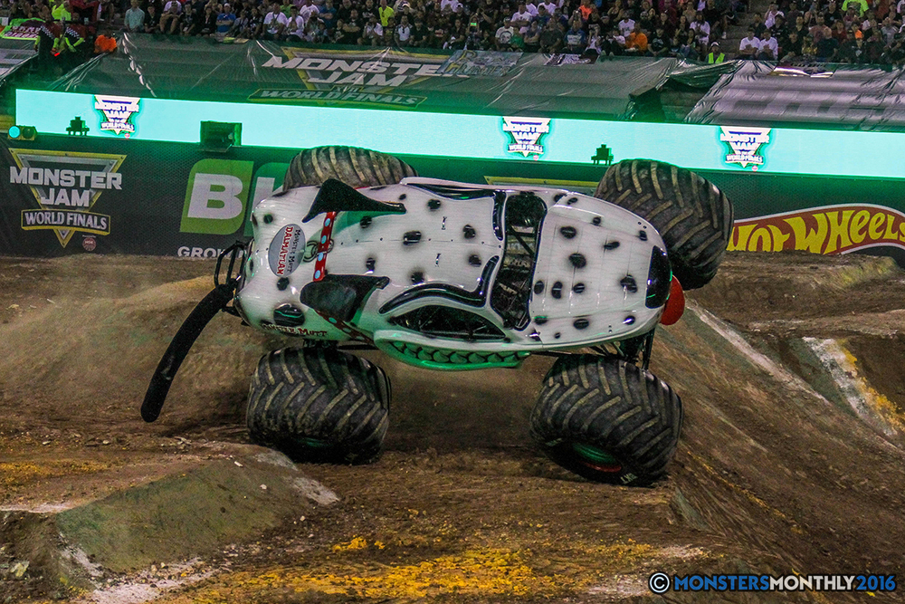 111-monster-jam-world-finals-17-march-2016-sam-boyd-stadium-las-vegas-monster-truck-racing-freestyle-gravedigger-maxd-monster-mutt-titan.jpg