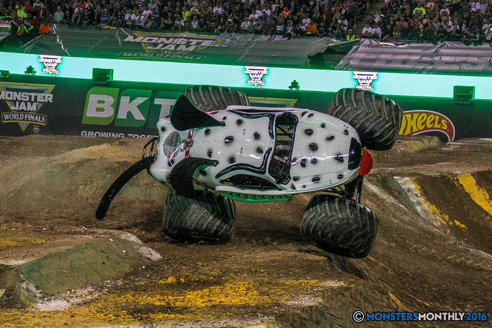 112-monster-jam-world-finals-17-march-2016-sam-boyd-stadium-las-vegas-monster-truck-racing-freestyle-gravedigger-maxd-monster-mutt-titan.jpg