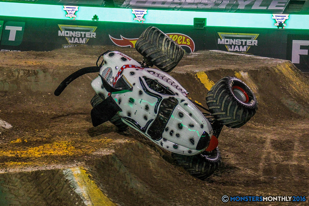 114-monster-jam-world-finals-17-march-2016-sam-boyd-stadium-las-vegas-monster-truck-racing-freestyle-gravedigger-maxd-monster-mutt-titan.jpg