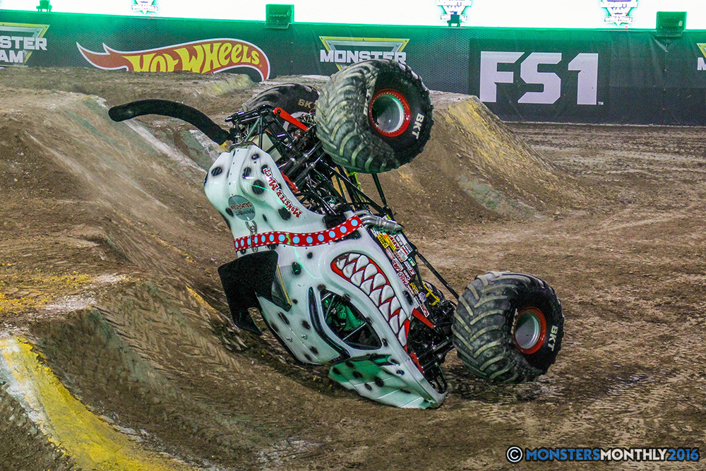 115-monster-jam-world-finals-17-march-2016-sam-boyd-stadium-las-vegas-monster-truck-racing-freestyle-gravedigger-maxd-monster-mutt-titan.jpg