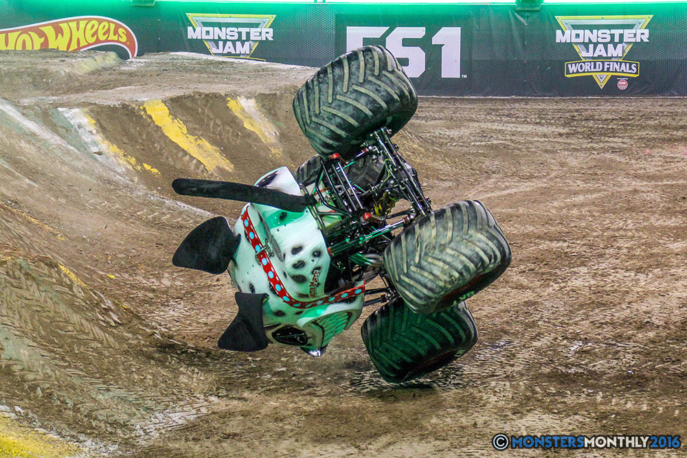 117-monster-jam-world-finals-17-march-2016-sam-boyd-stadium-las-vegas-monster-truck-racing-freestyle-gravedigger-maxd-monster-mutt-titan.jpg