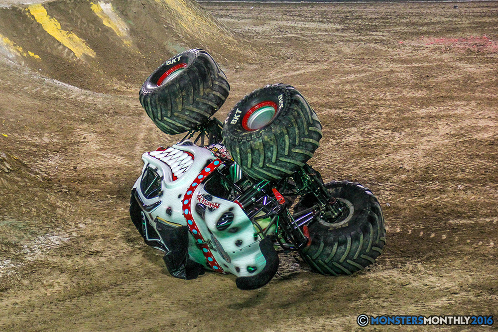 119-monster-jam-world-finals-17-march-2016-sam-boyd-stadium-las-vegas-monster-truck-racing-freestyle-gravedigger-maxd-monster-mutt-titan.jpg