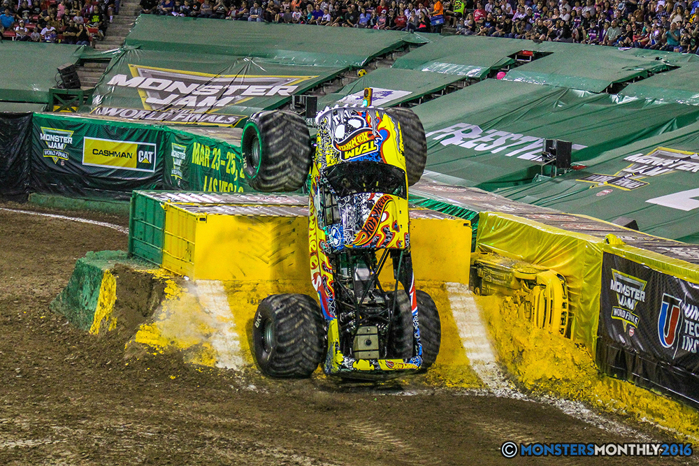 121-monster-jam-world-finals-17-march-2016-sam-boyd-stadium-las-vegas-monster-truck-racing-freestyle-gravedigger-maxd-monster-mutt-titan.jpg