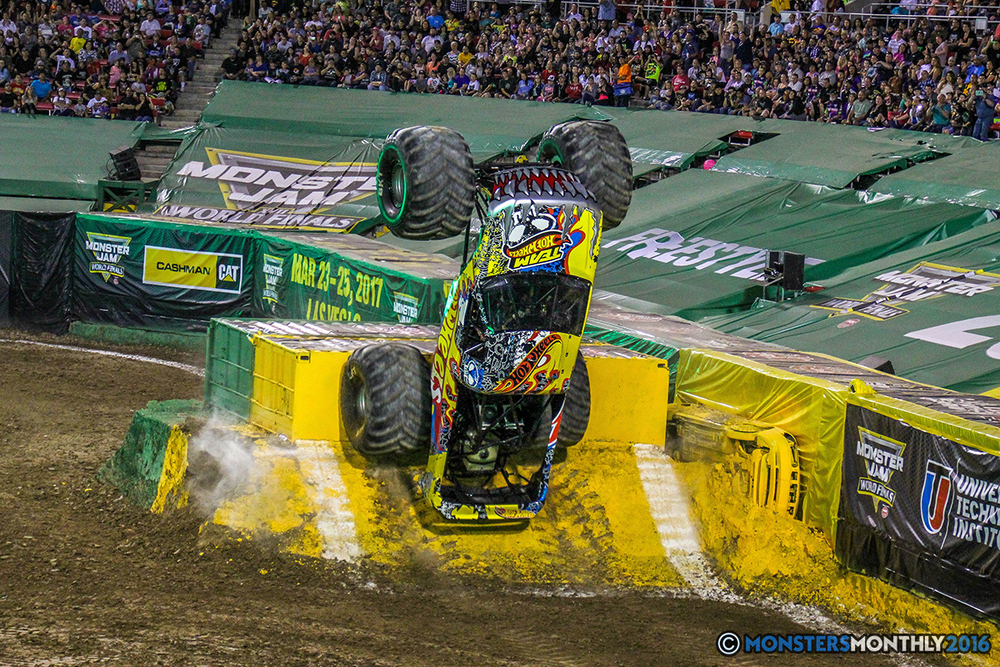 122-monster-jam-world-finals-17-march-2016-sam-boyd-stadium-las-vegas-monster-truck-racing-freestyle-gravedigger-maxd-monster-mutt-titan.jpg