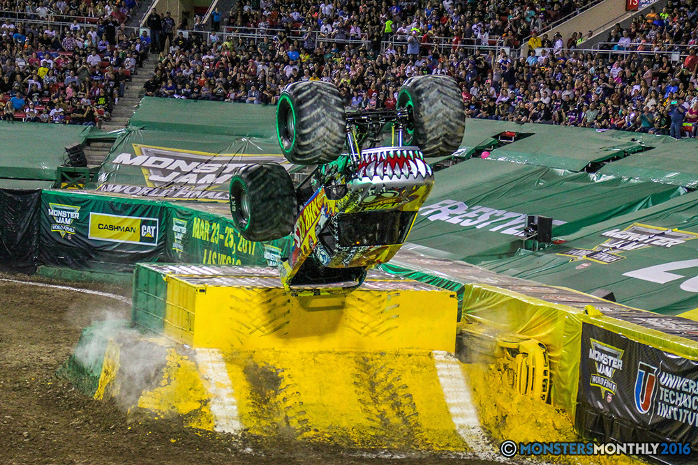 123-monster-jam-world-finals-17-march-2016-sam-boyd-stadium-las-vegas-monster-truck-racing-freestyle-gravedigger-maxd-monster-mutt-titan.jpg