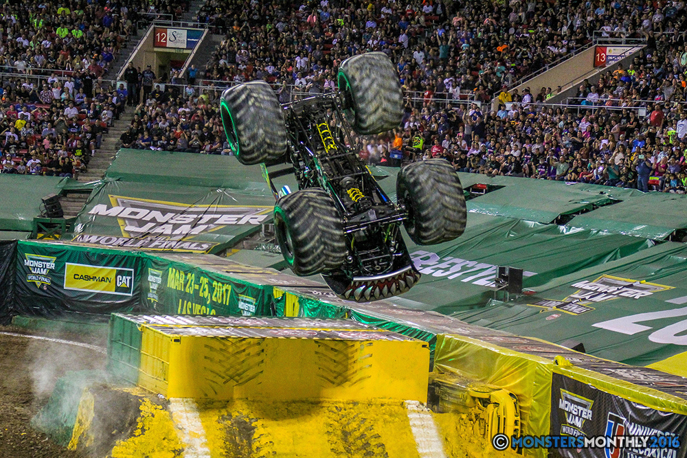 125-monster-jam-world-finals-17-march-2016-sam-boyd-stadium-las-vegas-monster-truck-racing-freestyle-gravedigger-maxd-monster-mutt-titan.jpg