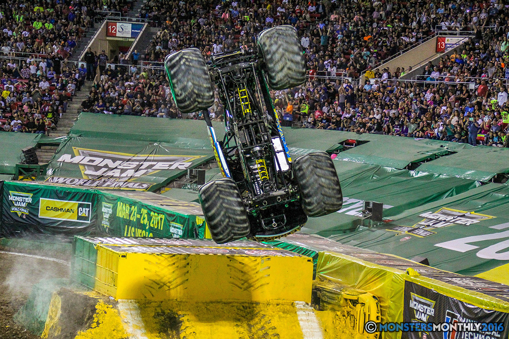 126-monster-jam-world-finals-17-march-2016-sam-boyd-stadium-las-vegas-monster-truck-racing-freestyle-gravedigger-maxd-monster-mutt-titan.jpg