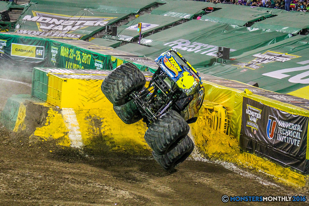 130-monster-jam-world-finals-17-march-2016-sam-boyd-stadium-las-vegas-monster-truck-racing-freestyle-gravedigger-maxd-monster-mutt-titan.jpg