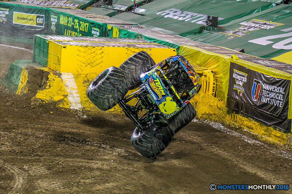 134-monster-jam-world-finals-17-march-2016-sam-boyd-stadium-las-vegas-monster-truck-racing-freestyle-gravedigger-maxd-monster-mutt-titan.jpg