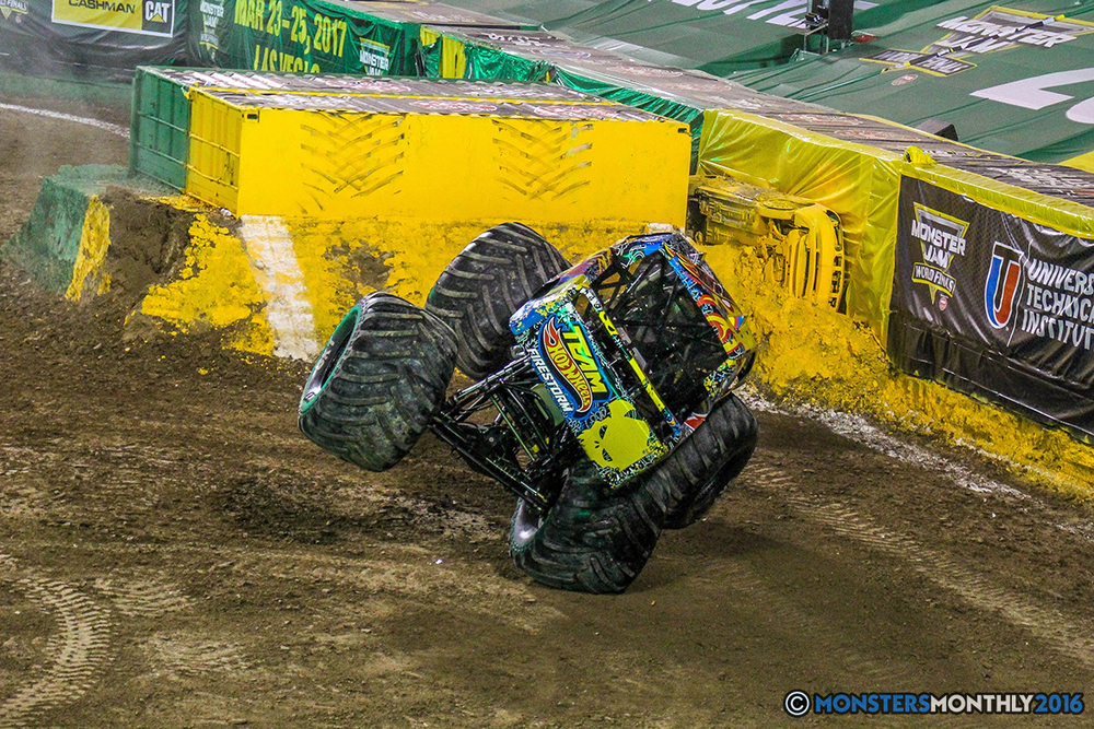 135-monster-jam-world-finals-17-march-2016-sam-boyd-stadium-las-vegas-monster-truck-racing-freestyle-gravedigger-maxd-monster-mutt-titan.jpg