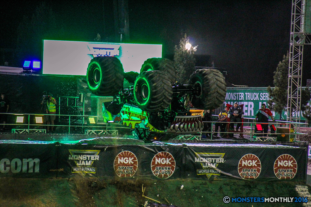 138-monster-jam-world-finals-17-march-2016-sam-boyd-stadium-las-vegas-monster-truck-racing-freestyle-gravedigger-maxd-monster-mutt-titan.jpg