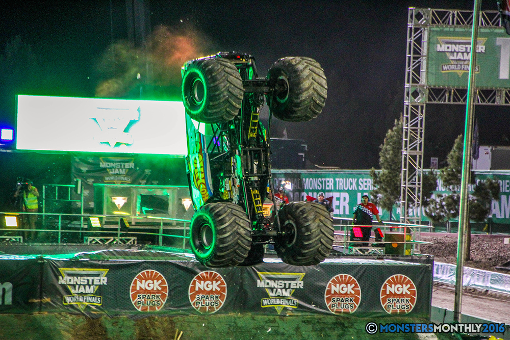 139-monster-jam-world-finals-17-march-2016-sam-boyd-stadium-las-vegas-monster-truck-racing-freestyle-gravedigger-maxd-monster-mutt-titan.jpg