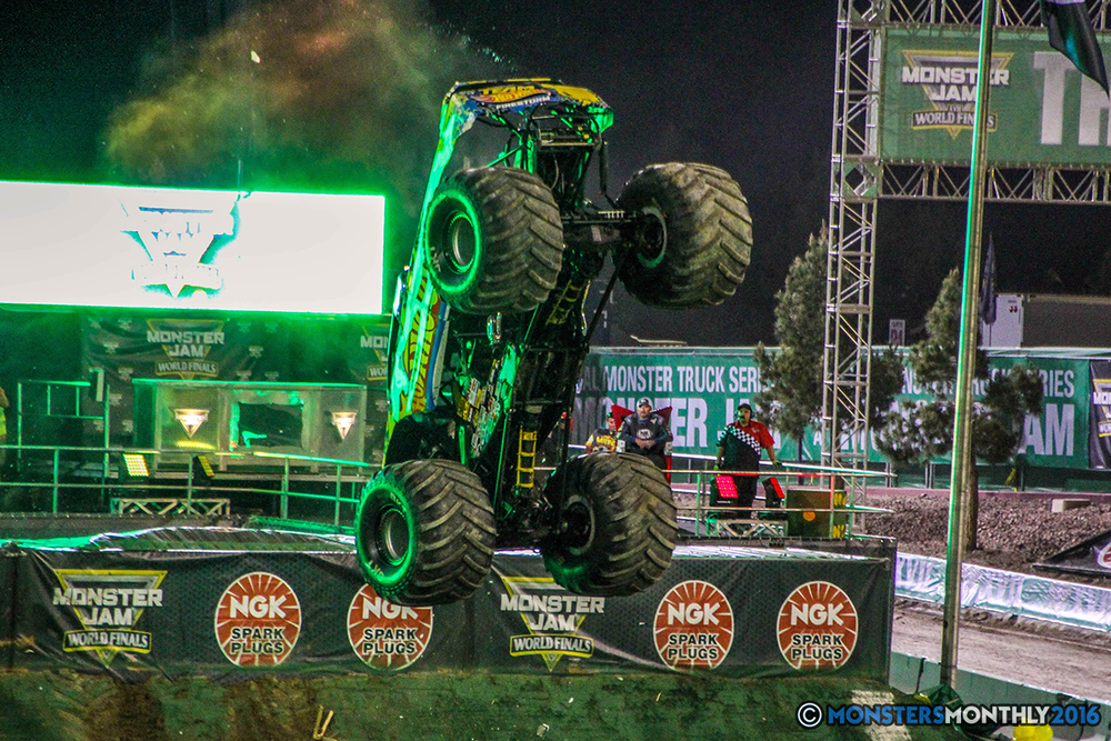 140-monster-jam-world-finals-17-march-2016-sam-boyd-stadium-las-vegas-monster-truck-racing-freestyle-gravedigger-maxd-monster-mutt-titan.jpg
