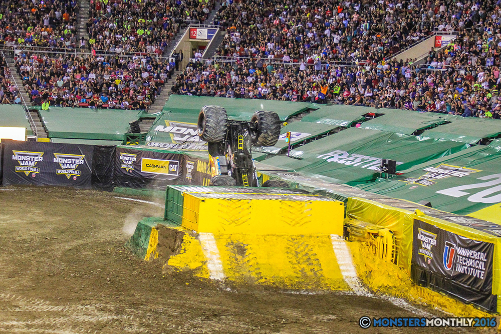 142-monster-jam-world-finals-17-march-2016-sam-boyd-stadium-las-vegas-monster-truck-racing-freestyle-gravedigger-maxd-monster-mutt-titan.jpg
