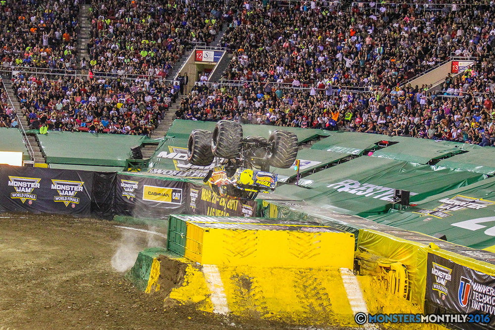 144-monster-jam-world-finals-17-march-2016-sam-boyd-stadium-las-vegas-monster-truck-racing-freestyle-gravedigger-maxd-monster-mutt-titan.jpg