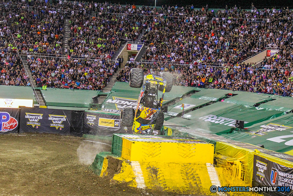 146-monster-jam-world-finals-17-march-2016-sam-boyd-stadium-las-vegas-monster-truck-racing-freestyle-gravedigger-maxd-monster-mutt-titan.jpg