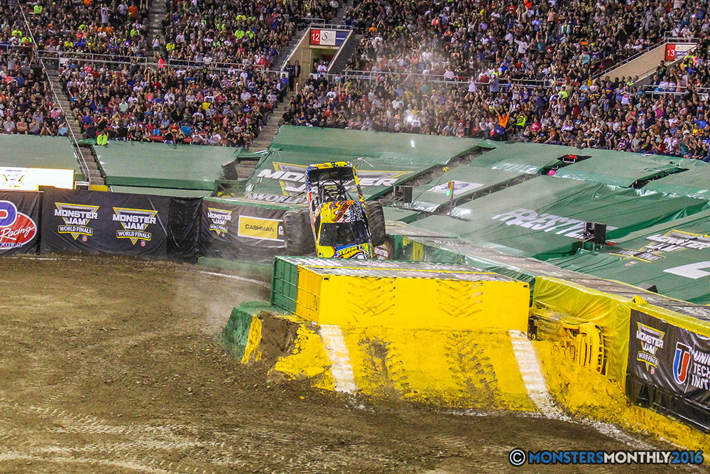 149-monster-jam-world-finals-17-march-2016-sam-boyd-stadium-las-vegas-monster-truck-racing-freestyle-gravedigger-maxd-monster-mutt-titan.jpg
