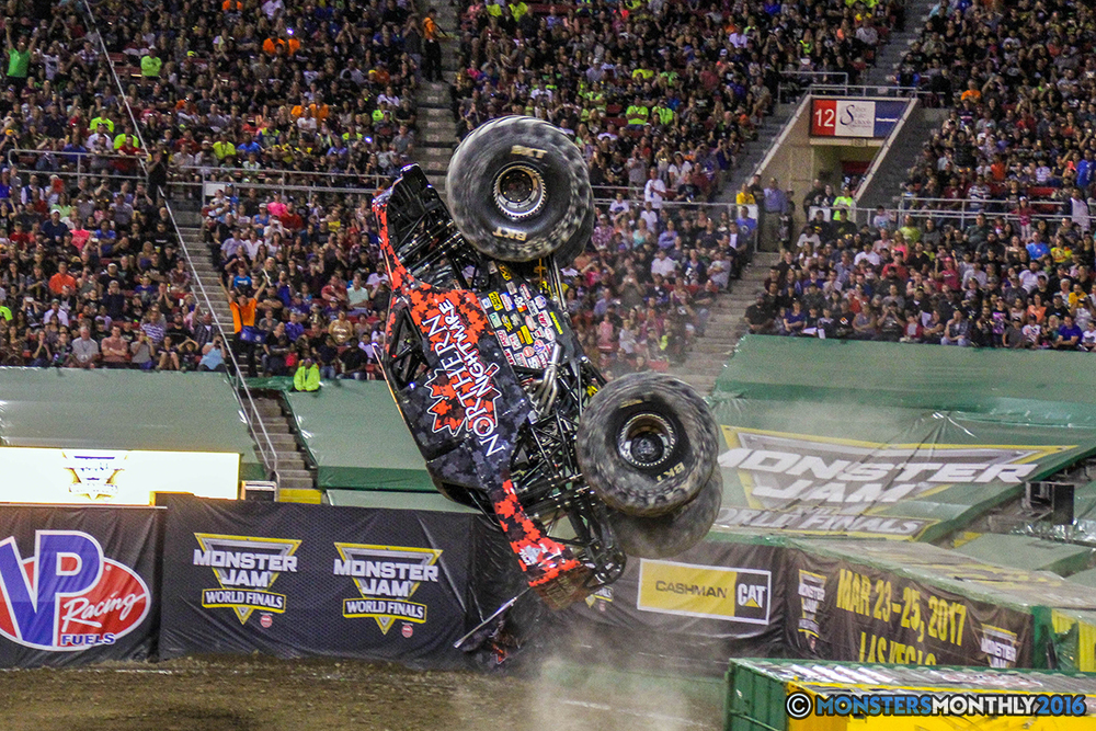 153-monster-jam-world-finals-17-march-2016-sam-boyd-stadium-las-vegas-monster-truck-racing-freestyle-gravedigger-maxd-monster-mutt-titan.jpg