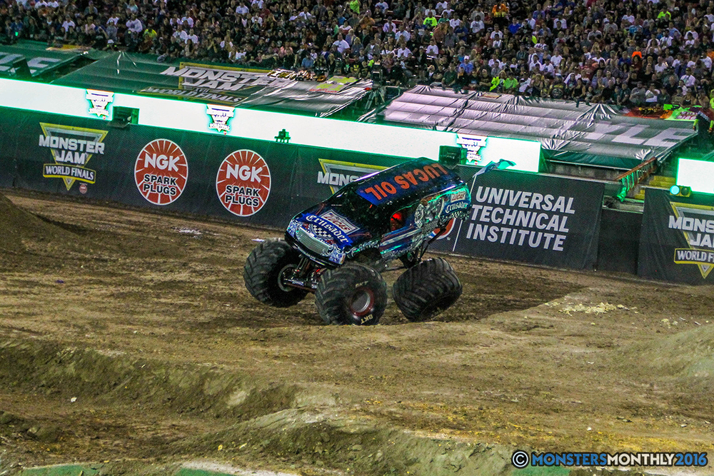 161-monster-jam-world-finals-17-march-2016-sam-boyd-stadium-las-vegas-monster-truck-racing-freestyle-gravedigger-maxd-monster-mutt-titan.jpg