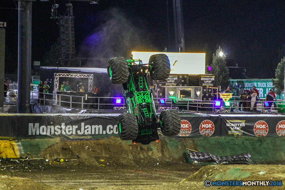166-monster-jam-world-finals-17-march-2016-sam-boyd-stadium-las-vegas-monster-truck-racing-freestyle-gravedigger-maxd-monster-mutt-titan.jpg