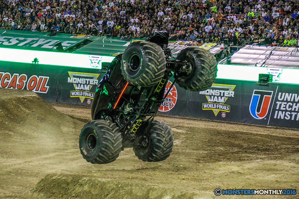 167-monster-jam-world-finals-17-march-2016-sam-boyd-stadium-las-vegas-monster-truck-racing-freestyle-gravedigger-maxd-monster-mutt-titan.jpg