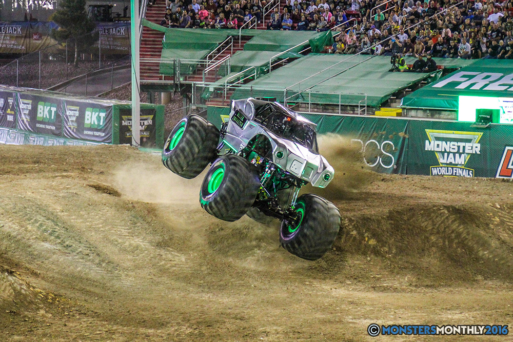 170-monster-jam-world-finals-17-march-2016-sam-boyd-stadium-las-vegas-monster-truck-racing-freestyle-gravedigger-maxd-monster-mutt-titan.jpg