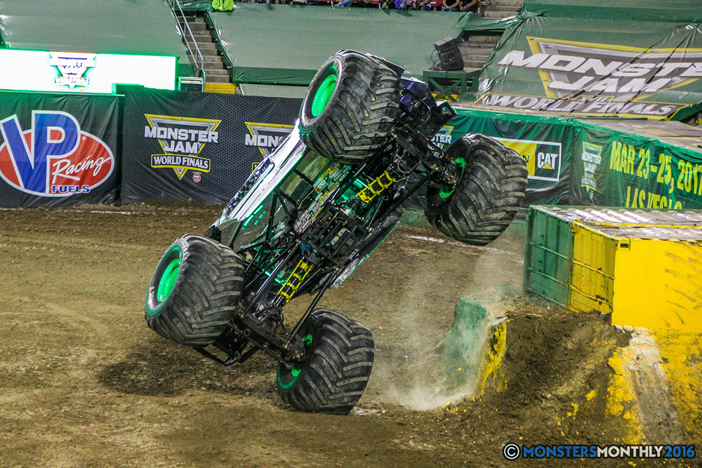 173-monster-jam-world-finals-17-march-2016-sam-boyd-stadium-las-vegas-monster-truck-racing-freestyle-gravedigger-maxd-monster-mutt-titan.jpg