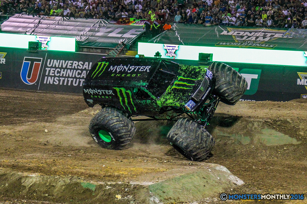 183-monster-jam-world-finals-17-march-2016-sam-boyd-stadium-las-vegas-monster-truck-racing-freestyle-gravedigger-maxd-monster-mutt-titan.jpg
