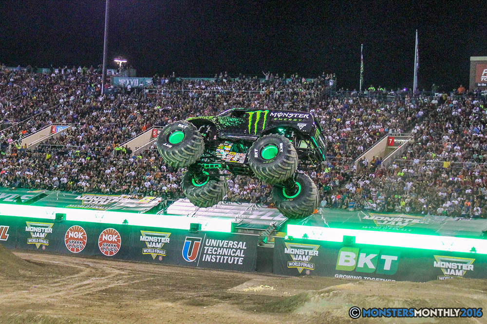 184-monster-jam-world-finals-17-march-2016-sam-boyd-stadium-las-vegas-monster-truck-racing-freestyle-gravedigger-maxd-monster-mutt-titan.jpg