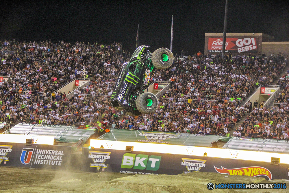 186-monster-jam-world-finals-17-march-2016-sam-boyd-stadium-las-vegas-monster-truck-racing-freestyle-gravedigger-maxd-monster-mutt-titan.jpg