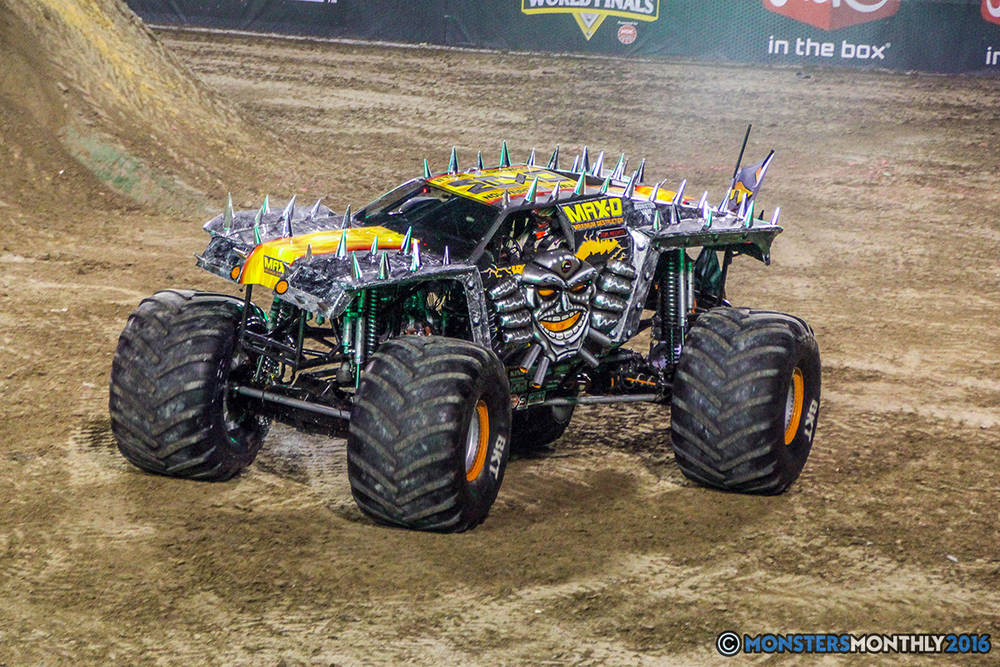 187-monster-jam-world-finals-17-march-2016-sam-boyd-stadium-las-vegas-monster-truck-racing-freestyle-gravedigger-maxd-monster-mutt-titan.jpg