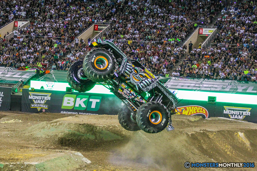 189-monster-jam-world-finals-17-march-2016-sam-boyd-stadium-las-vegas-monster-truck-racing-freestyle-gravedigger-maxd-monster-mutt-titan.jpg