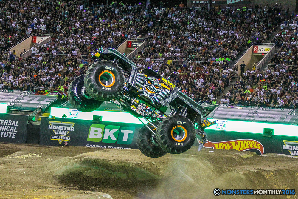 190-monster-jam-world-finals-17-march-2016-sam-boyd-stadium-las-vegas-monster-truck-racing-freestyle-gravedigger-maxd-monster-mutt-titan.jpg
