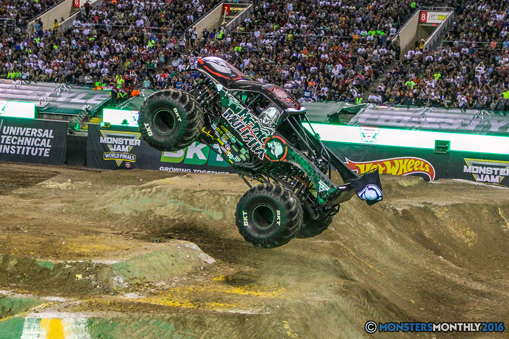 192-monster-jam-world-finals-17-march-2016-sam-boyd-stadium-las-vegas-monster-truck-racing-freestyle-gravedigger-maxd-monster-mutt-titan.jpg