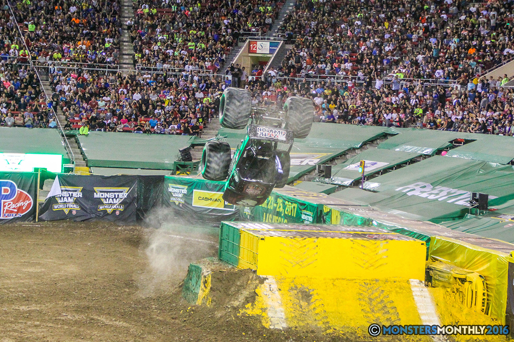 197-monster-jam-world-finals-17-march-2016-sam-boyd-stadium-las-vegas-monster-truck-racing-freestyle-gravedigger-maxd-monster-mutt-titan.jpg