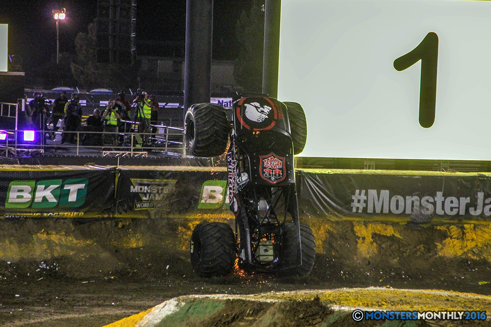 203-monster-jam-world-finals-17-march-2016-sam-boyd-stadium-las-vegas-monster-truck-racing-freestyle-gravedigger-maxd-monster-mutt-titan.jpg