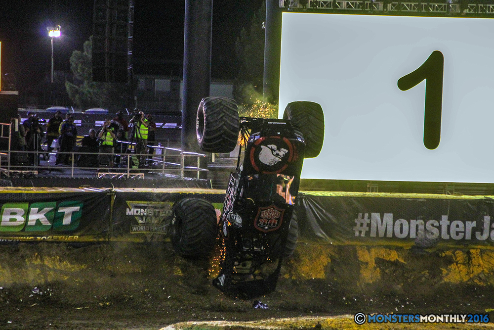204-monster-jam-world-finals-17-march-2016-sam-boyd-stadium-las-vegas-monster-truck-racing-freestyle-gravedigger-maxd-monster-mutt-titan.jpg