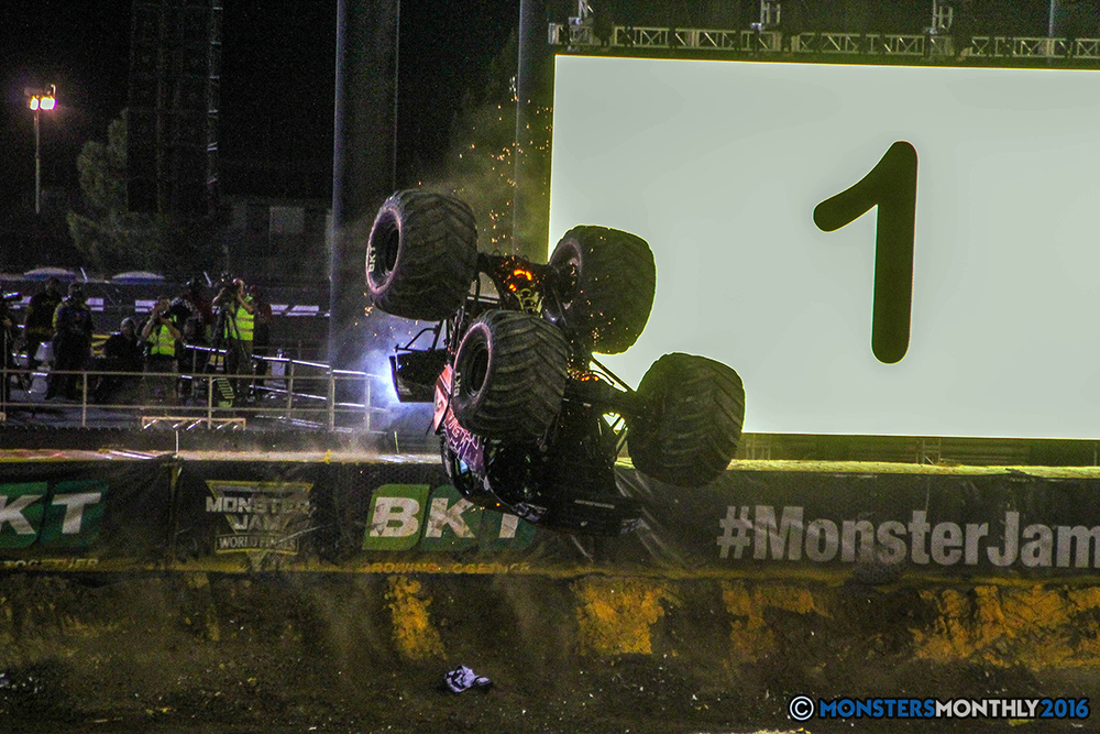 206-monster-jam-world-finals-17-march-2016-sam-boyd-stadium-las-vegas-monster-truck-racing-freestyle-gravedigger-maxd-monster-mutt-titan.jpg
