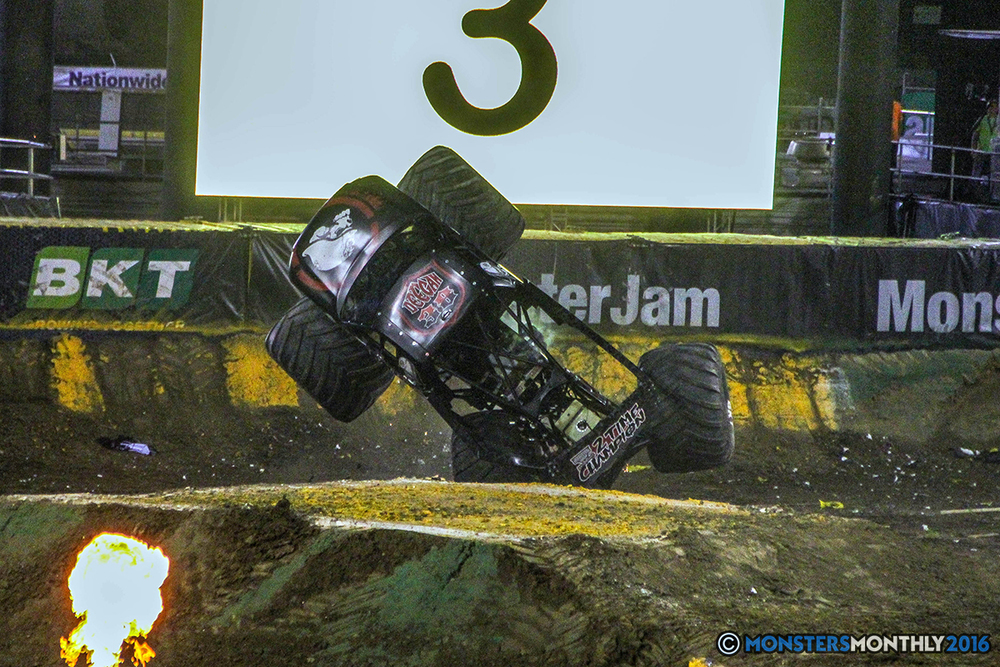 214-monster-jam-world-finals-17-march-2016-sam-boyd-stadium-las-vegas-monster-truck-racing-freestyle-gravedigger-maxd-monster-mutt-titan.jpg