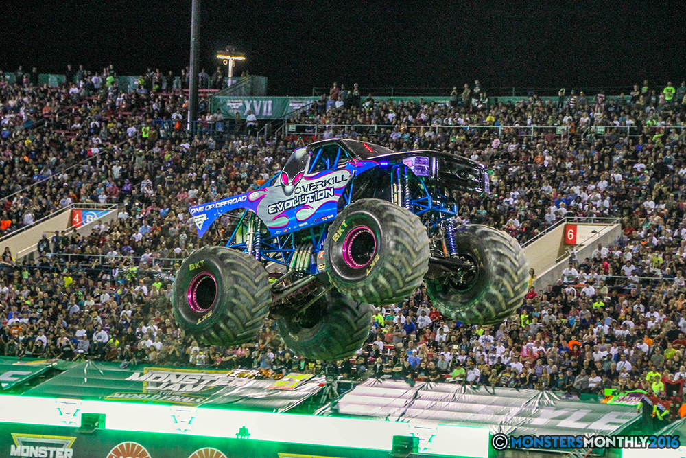 222-monster-jam-world-finals-17-march-2016-sam-boyd-stadium-las-vegas-monster-truck-racing-freestyle-gravedigger-maxd-monster-mutt-titan.jpg