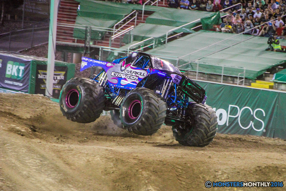 224-monster-jam-world-finals-17-march-2016-sam-boyd-stadium-las-vegas-monster-truck-racing-freestyle-gravedigger-maxd-monster-mutt-titan.jpg
