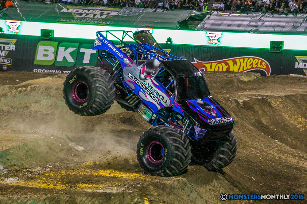 223-monster-jam-world-finals-17-march-2016-sam-boyd-stadium-las-vegas-monster-truck-racing-freestyle-gravedigger-maxd-monster-mutt-titan.jpg