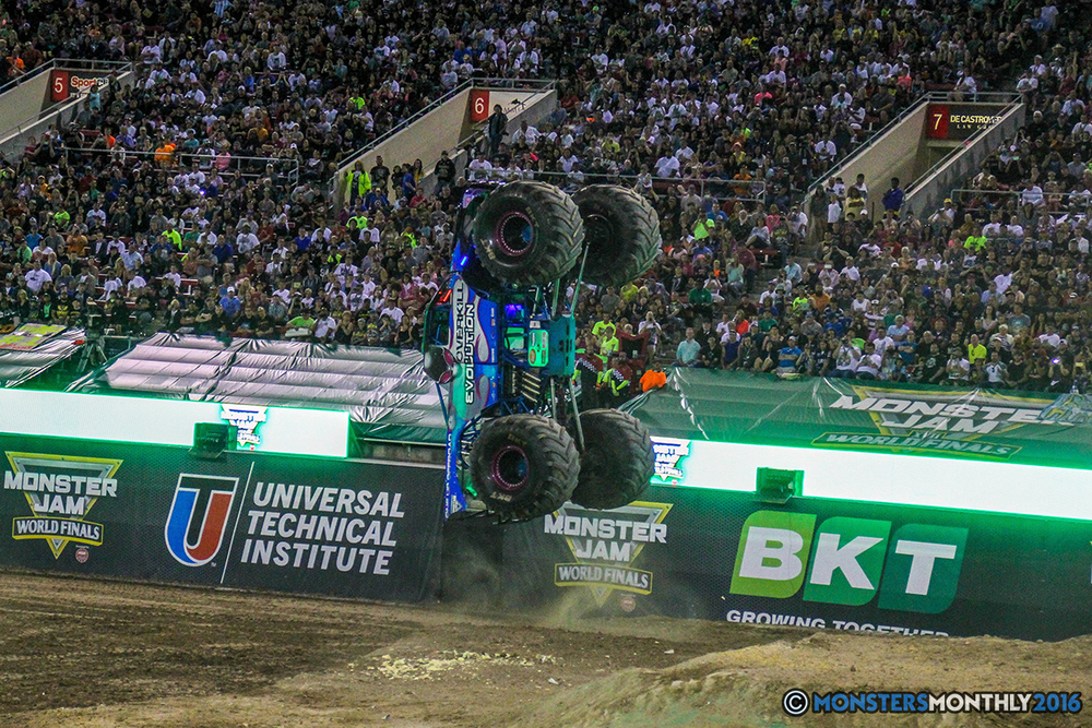 225-monster-jam-world-finals-17-march-2016-sam-boyd-stadium-las-vegas-monster-truck-racing-freestyle-gravedigger-maxd-monster-mutt-titan.jpg