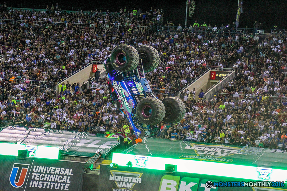 227-monster-jam-world-finals-17-march-2016-sam-boyd-stadium-las-vegas-monster-truck-racing-freestyle-gravedigger-maxd-monster-mutt-titan.jpg