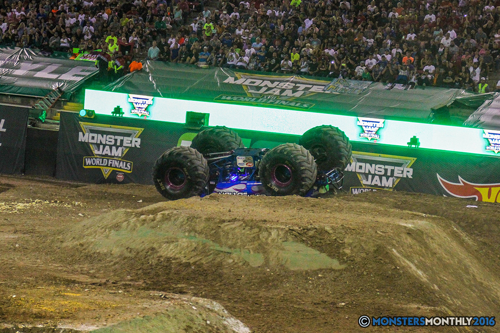 234-monster-jam-world-finals-17-march-2016-sam-boyd-stadium-las-vegas-monster-truck-racing-freestyle-gravedigger-maxd-monster-mutt-titan.jpg