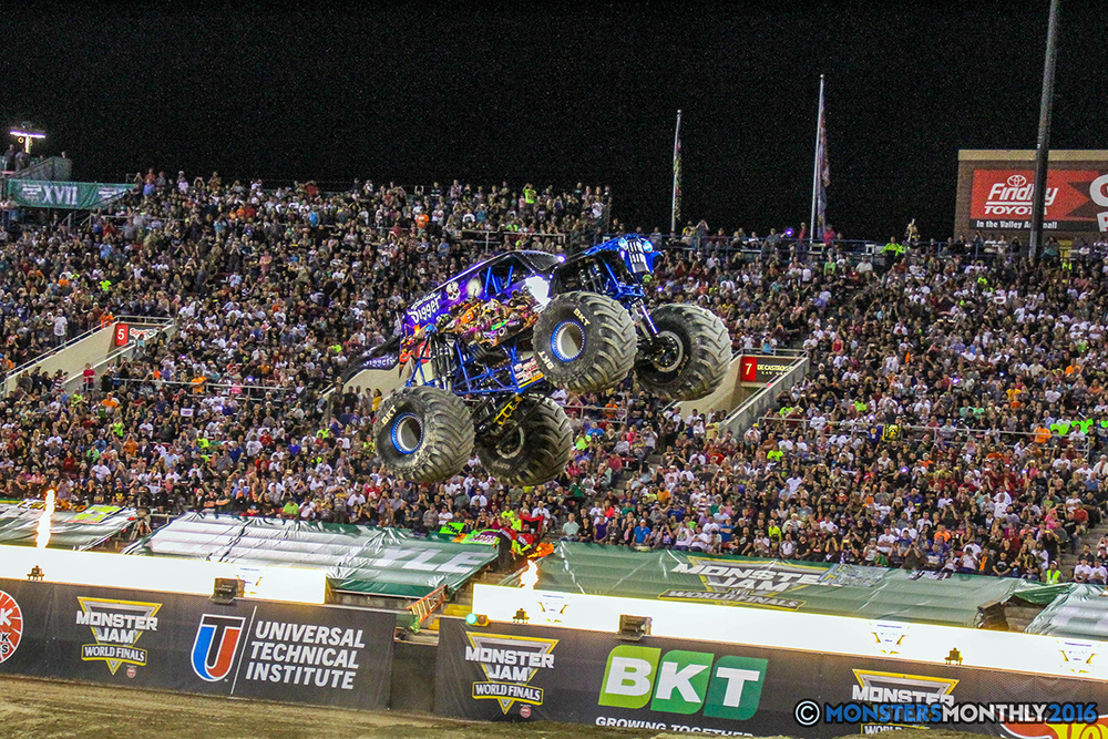 237-monster-jam-world-finals-17-march-2016-sam-boyd-stadium-las-vegas-monster-truck-racing-freestyle-gravedigger-maxd-monster-mutt-titan.jpg