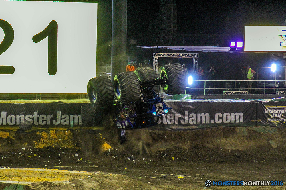 239-monster-jam-world-finals-17-march-2016-sam-boyd-stadium-las-vegas-monster-truck-racing-freestyle-gravedigger-maxd-monster-mutt-titan.jpg