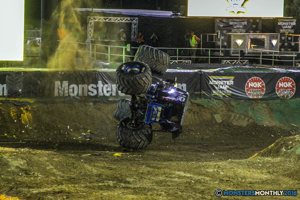 243-monster-jam-world-finals-17-march-2016-sam-boyd-stadium-las-vegas-monster-truck-racing-freestyle-gravedigger-maxd-monster-mutt-titan.jpg