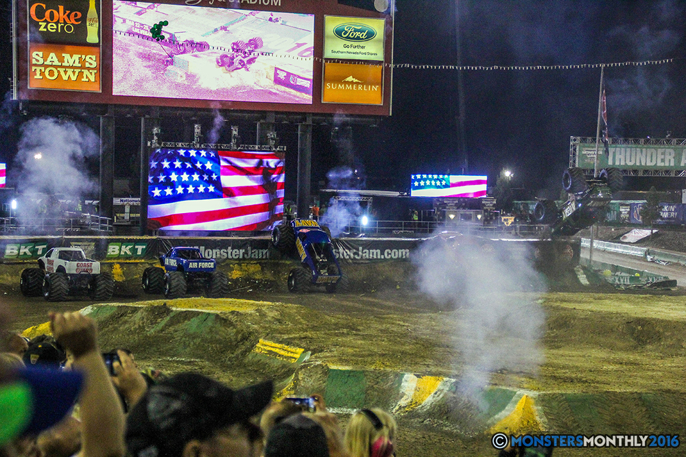 250-monster-jam-world-finals-17-march-2016-sam-boyd-stadium-las-vegas-monster-truck-racing-freestyle-gravedigger-maxd-monster-mutt-titan.jpg
