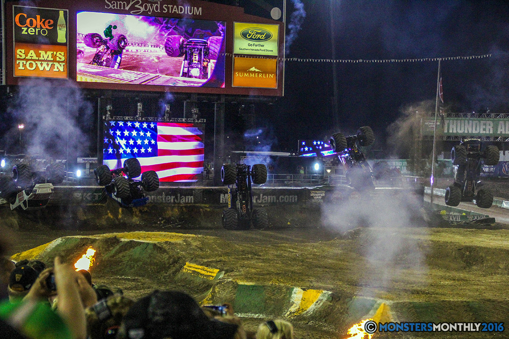 256-monster-jam-world-finals-17-march-2016-sam-boyd-stadium-las-vegas-monster-truck-racing-freestyle-gravedigger-maxd-monster-mutt-titan.jpg
